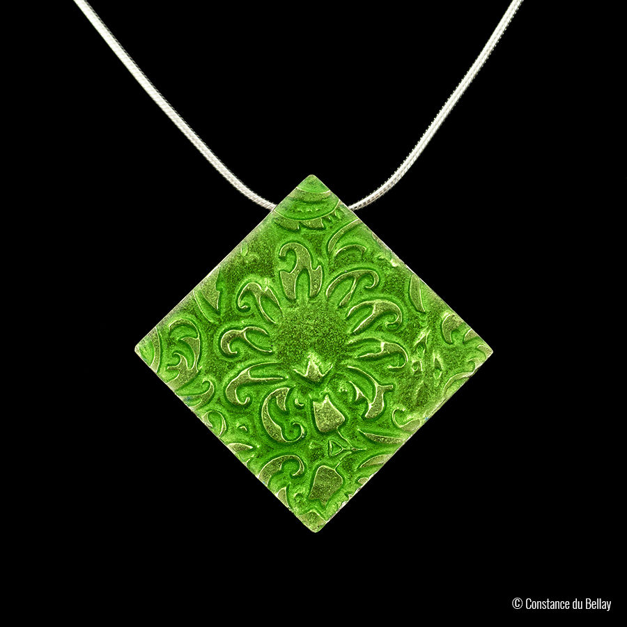 Pendentif texturé vert vif - Constance du Bellay